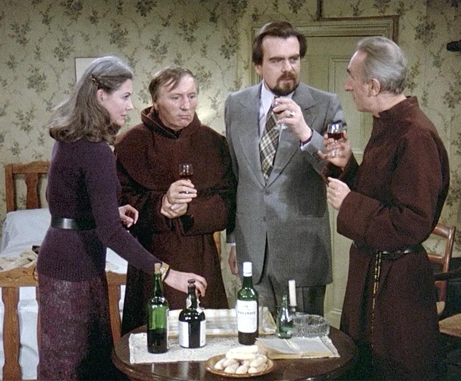 Anne-Marie Deschodt, Paul Le Person, Michael Lonsdale et Bernard Mussondans Le Fantôme de la liberté (Luis Buñuel, 1974)