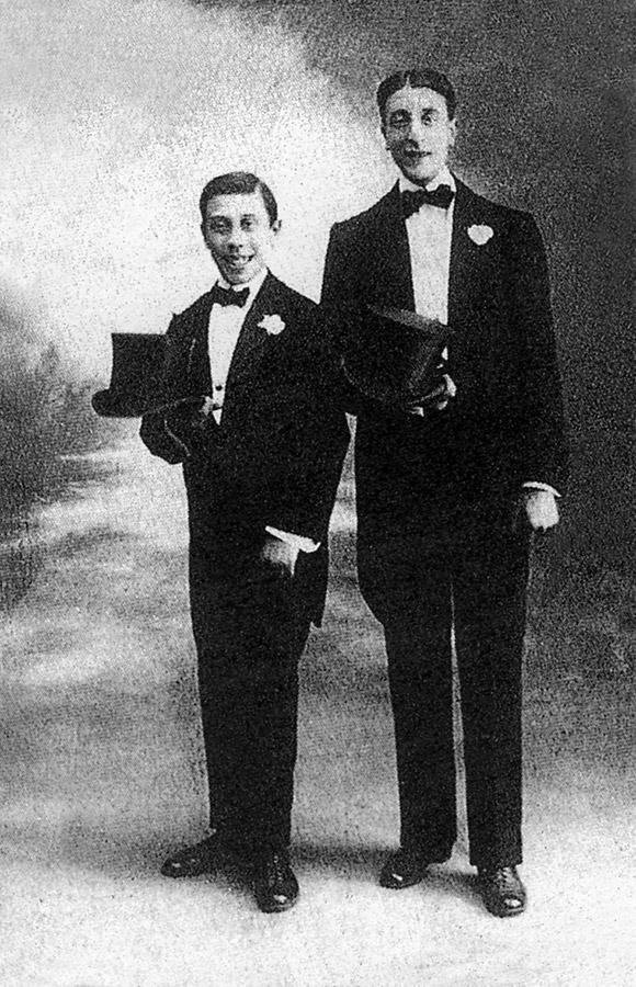 Fernand Contendin (futur Fernandel) et son frère Marcel en 1915 (tiré du livre de Jacques Lorcey paru en 1981 - DR