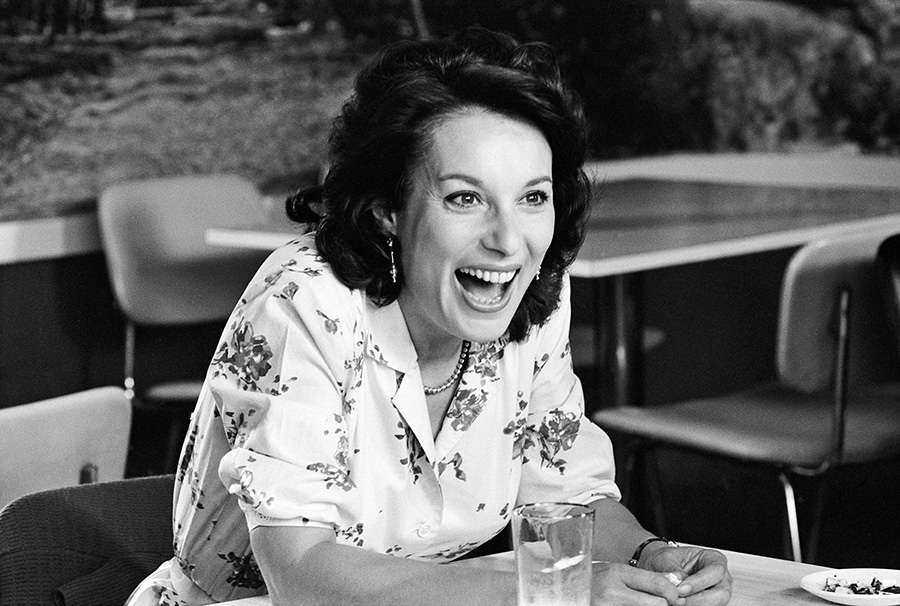 Bernadette Lafont sur le tournage de Retour en force (Jean-Marie Poiré, 1980) - © Gaumont