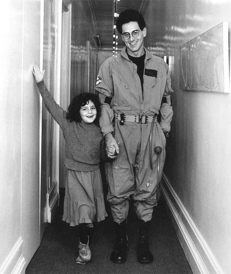 Harold Ramis et sa fille Violet sur le tournage de Ghostbusters - DR