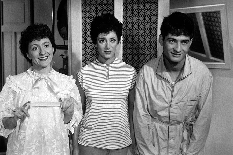 Annette Poivre, Micheline Dax et Jean-Claude Brialy dans L'Ami de la famille (Jacques Pinoteau, 1957)