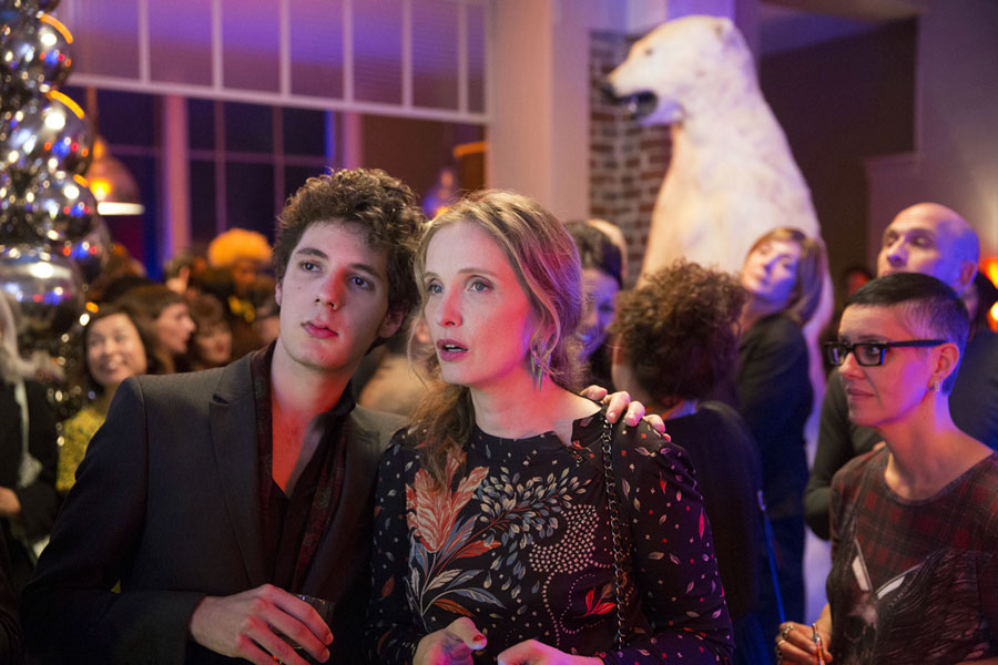 Vincent Lacoste et Julie Delpy dans Lolo (Julie Delpy, 2015)