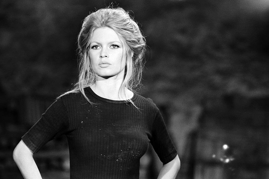 Brigitte Bardot sur le tournage de L'Ours et la poupée (© Alain Loison)