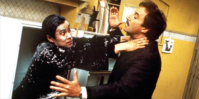 Burt Kwouk et Peter Sellers dans Quand la panthère rose s'emmêle (Blake Edwards, 1976)