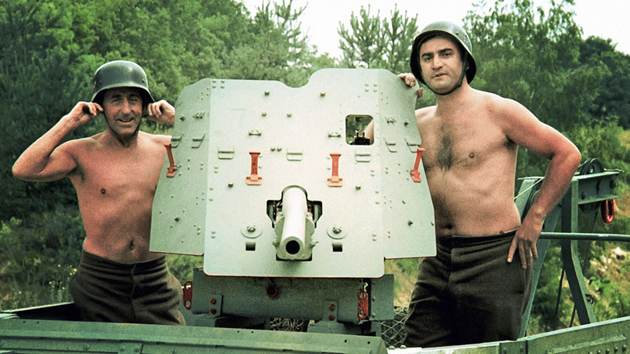 Jean Lefebvre et Aldo Maccione dans Mais où est donc passée la 7ème Compagnie (Robert Lamoureux, 1973)