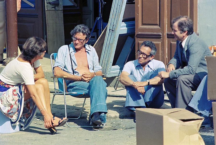Robert Lamoureux et Pierre Mondy sur le tournage de La 7ème Compagnie au clair de lune (1977) - © Mairie de Brie Comte Robert
