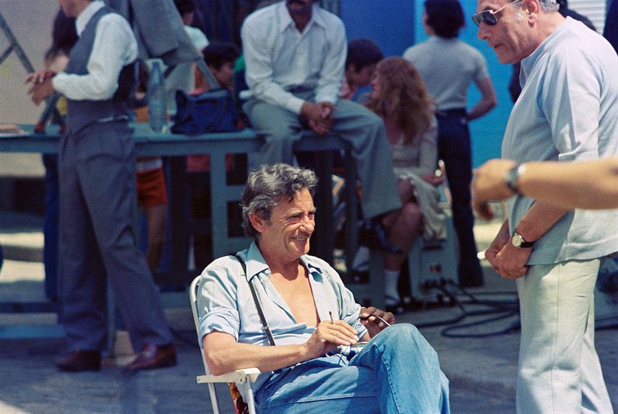 Robert Lamoureux sur le tournage de La 7ème Compagnie au clair de lune (1977) - © Mairie de Brie Comte Robert