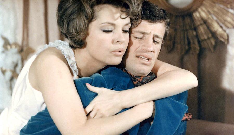 Jean-Paul Belmondo et Nadja Tiller dans Tendre voyou (Jean Becker, 1966)