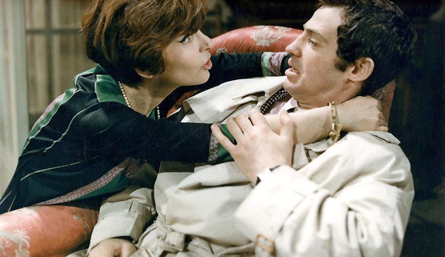 Jean-Paul Belmondo et Maria Pacôme dans Tendre voyou (Jean Becker, 1966)