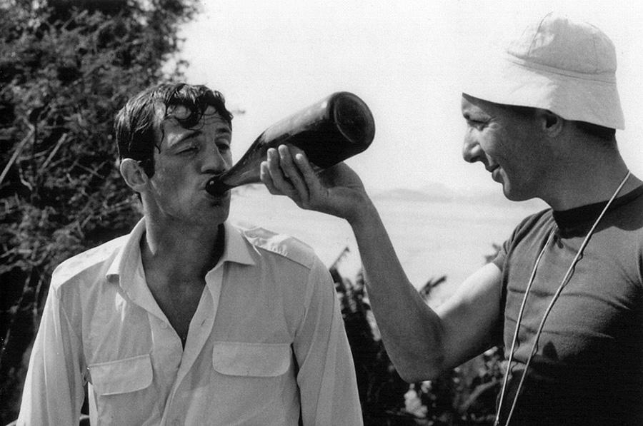 Jean-Paul Belmondo et Philippe de Broca en 1963 sur le tournage de L'Homme de Rio - © Les Films Ariane