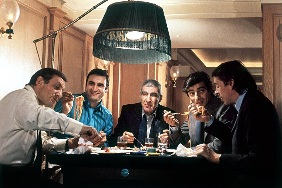 Lino Ventura, Aldo Maccione, Charles Gérard, Charles Denner et Jacques Brel dans L'Aventure c'est l'aventure (Claude Lelouch, 1972)