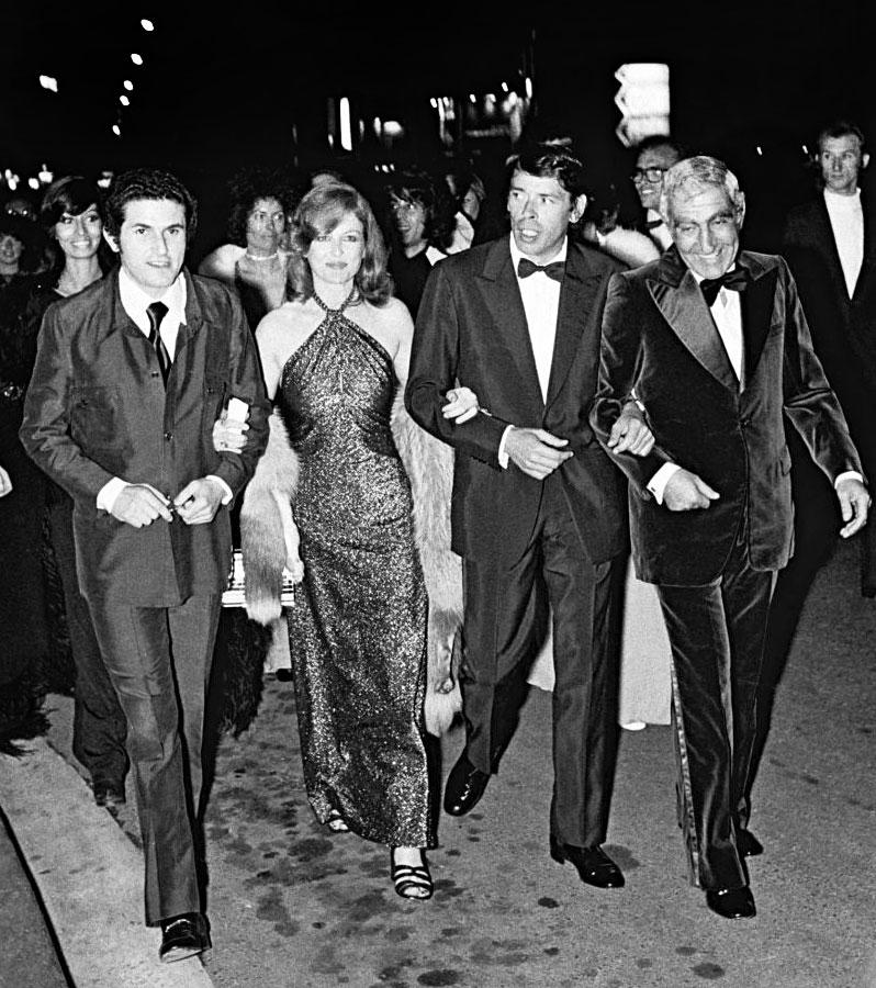 Claude Lelouch, Nicole Courcel, Francis Lai, Jacques Brel et Charles Gérard lors de la première de l'Aventure c'est l'aventure au festival de Cannes 1972