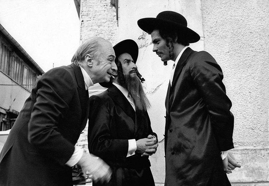 Gérard Oury, Louis de Funès et Claude Giraud sur le tournage des Aventures de Rabbi Jacob (1973)
