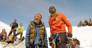 Umesh Tamang et Ahmed Sylla dans L'Ascension (Ludovic Bernard, 2017)