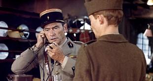 Robert Lamoureux dans Mais où est donc passée la 7ème Compagnie ? (1973)