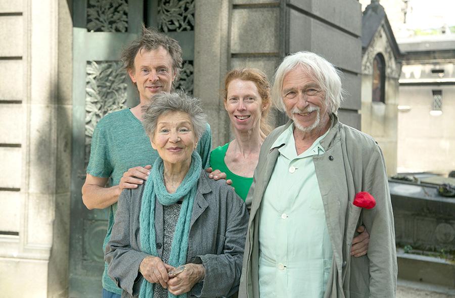 Dominique Abel, Emmanuelle Riva, Fiona Gordon et Pierre Richard sur le tournage de Paris pieds nus - © Laurent Thurin-Nal
