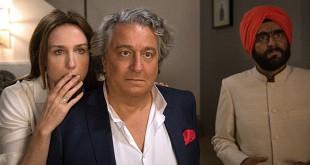 Elsa Zylberstein et Christian Clavier dans À bras ouverts (Philippe de Chauveron, 2017)