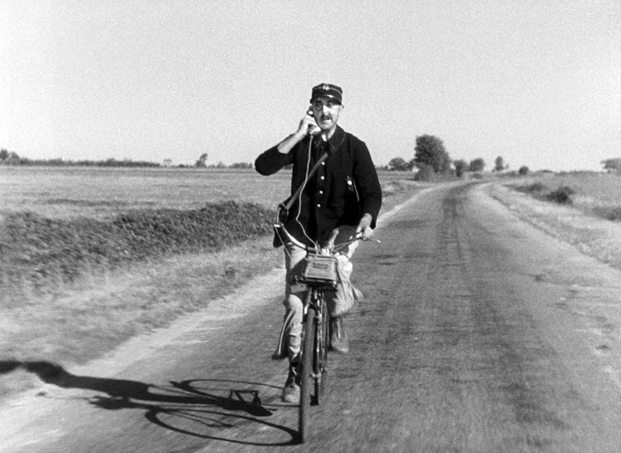 Jacques Tati dans Jour de fête (1949) - © Specta Films C.E.P.E.C.