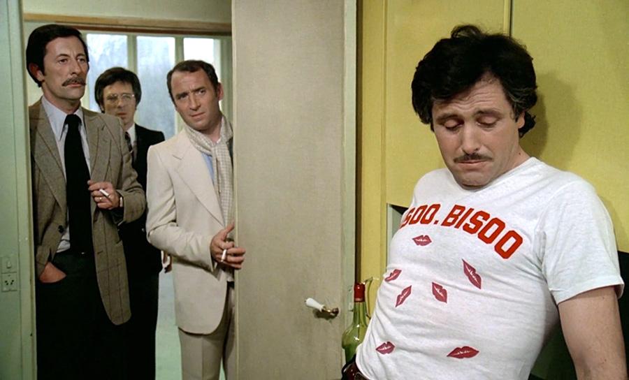 Jean Rochefort, Guy Bedos, Claude Brasseur et Victor Lanoux dans Un éléphant ça trompe énormément (Yves Robert, 1976) - © Gaumont