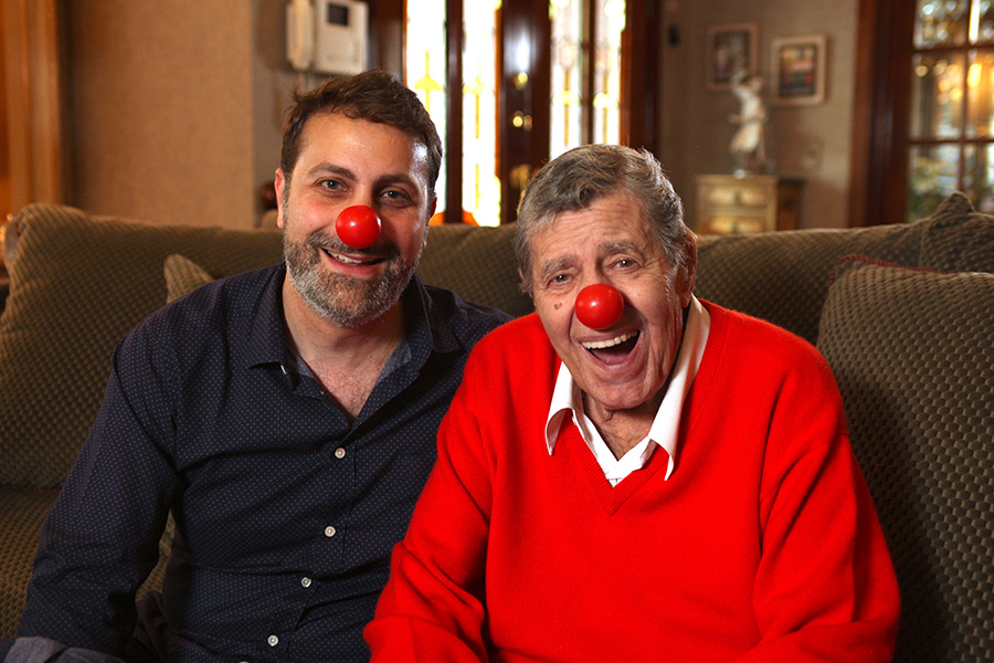 Gregory Monro et Jerry Lewis dans sa maison de Las Vegas en avril 2015 - © French Connection Films