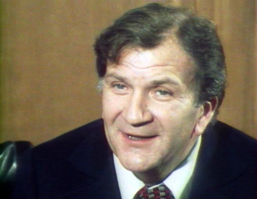 """Pierre Mondy dans l'émission """"Allons au cinéma"""" (1977)"""