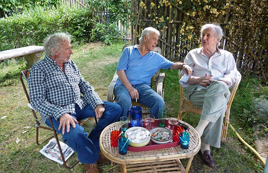 Pierre Richard, Guy Bedos et Claude Rich sur le tournage de Et si on vivait tous ensemble ? (Stéphane Robelin, 2012) - © CineComedies