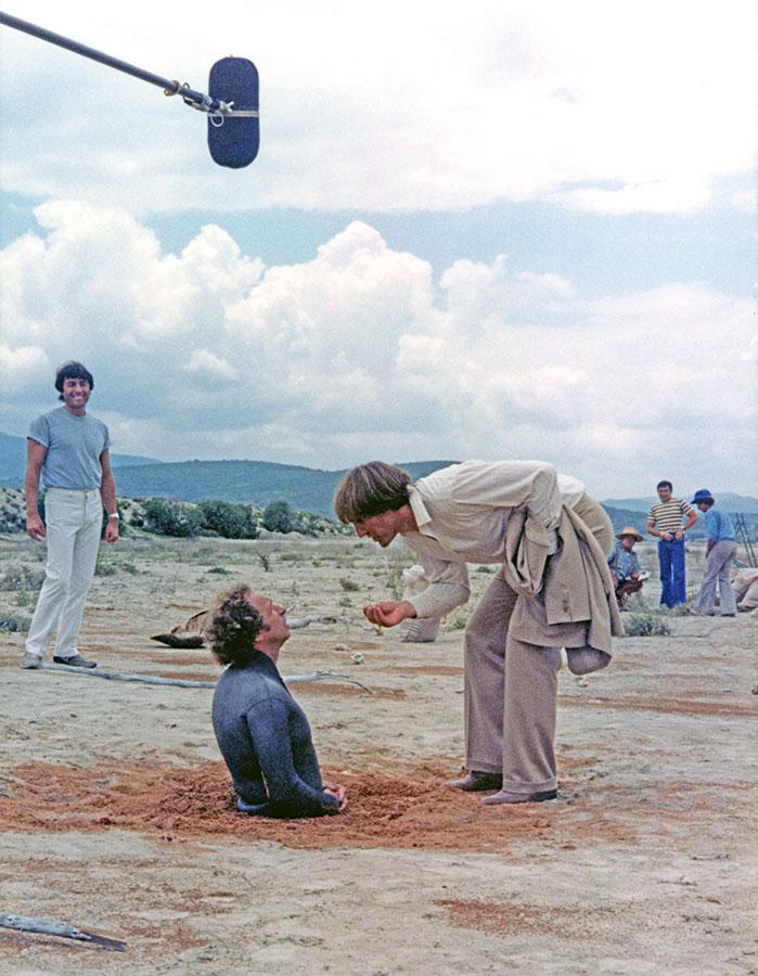 Francis Veber, Pierre Richard et Gérard Depardieu sur le tournage de La Chèvre - © Gaumont