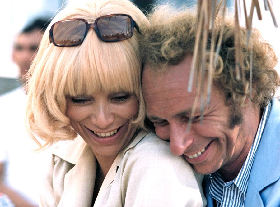 Mireille Darc et Pierre Richard sur le tournage du Grand Blond - © Gaumont