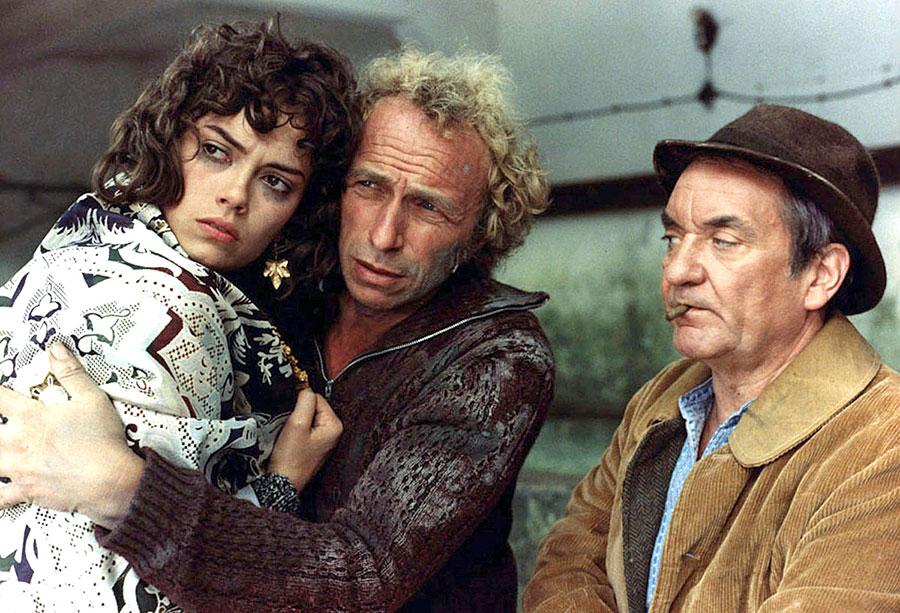 Béatrice Camurat, Pierre Richard et Jean Carmet dans Un chien dans un jeu de quilles (Bernard Guillou, 1982)