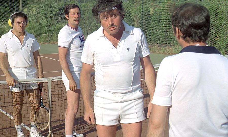 Guy Bedos, Jean Rochefort, Victor Lanoux et Claude Brasseur dans Nous irons tous au paradis (Yves Robert, 1977) - © Gaumont