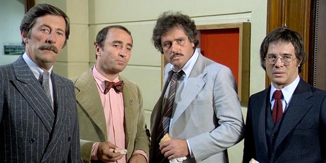 Jean Rochefort, Claude Brasseur, Victor Lanoux et Guy Bedos dans Nous irons tous au paradis (Yves Robert, 1977) - © Gaumont