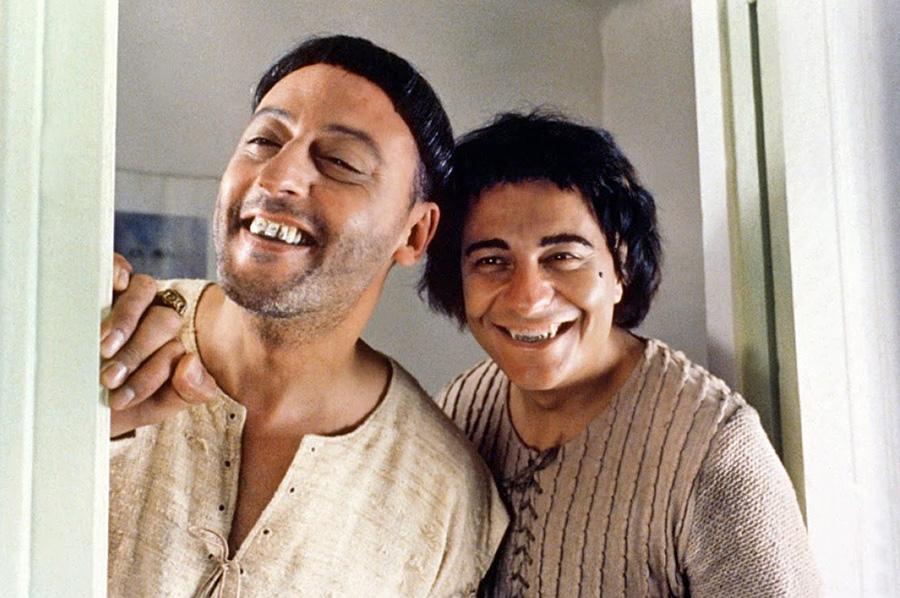 Jean Reno et Christian Clavier dans Les Visiteurs (Jean-Marie Poiré, 1993) - © Gaumont