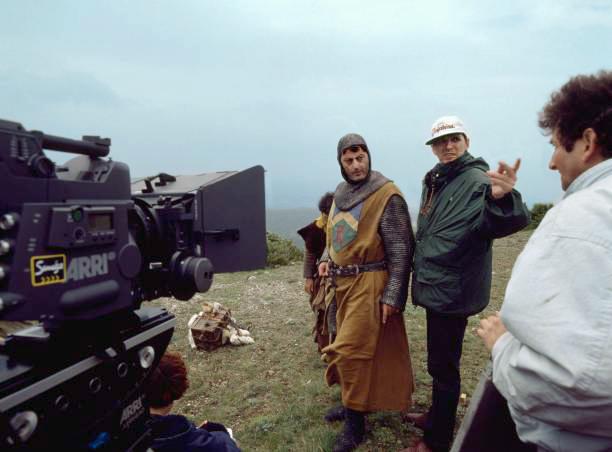 Jean Reno et Jean-Marie Poiré sur le tournage des Visiteurs - © Gaumont