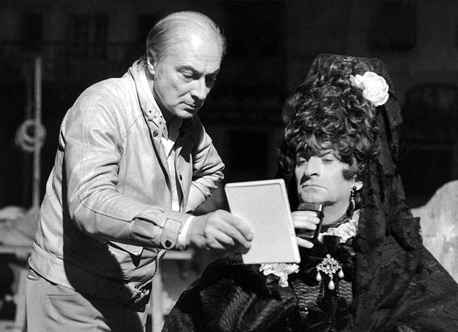 Gérard Oury et Louis de Funès sur le tournage de La Folie des grandeurs