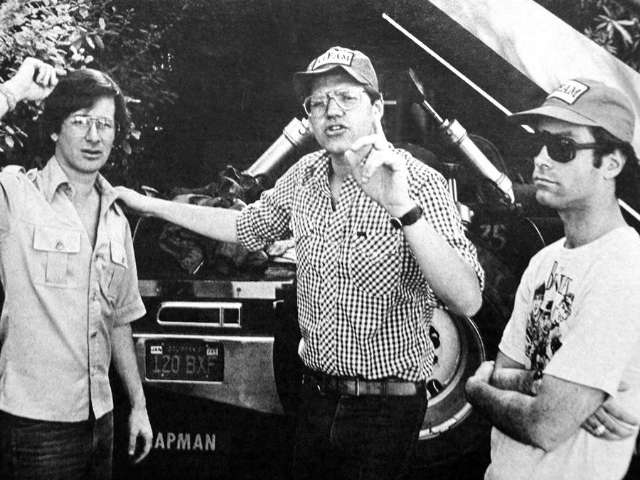 Steven Spielberg, Robert Zemeckis et Bob Gale sur le tournage de Crazy Day