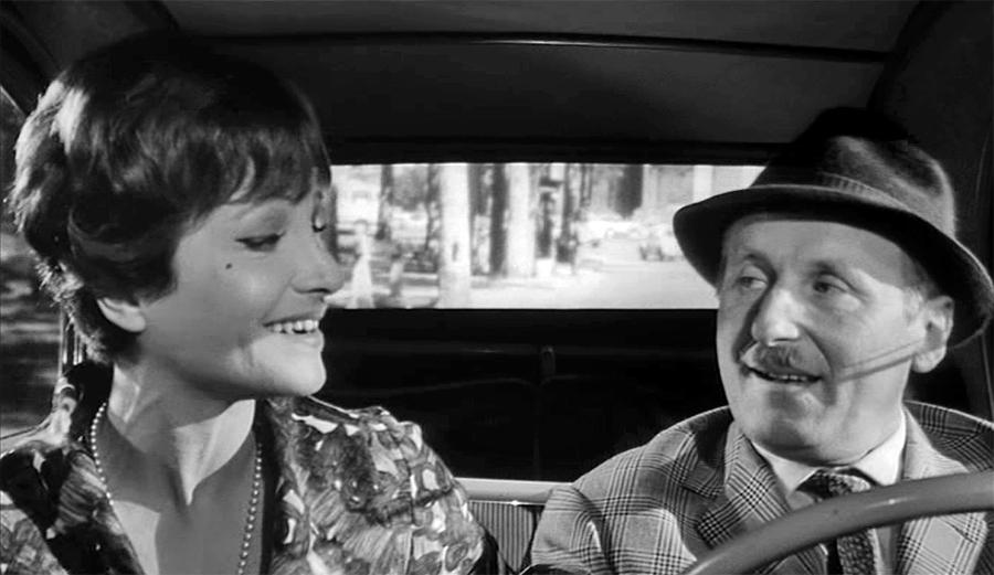 Maria Pacôme et Bourvil dans Le Tracassin ou les plaisirs de la ville (Alex Joffé, 1961)