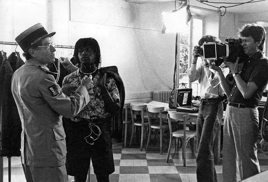 Darry Cowl et Michel Gérard sur le tournage des Surdoués de la 1ère Compagnie - © Collection personnelle de Michel Gérard