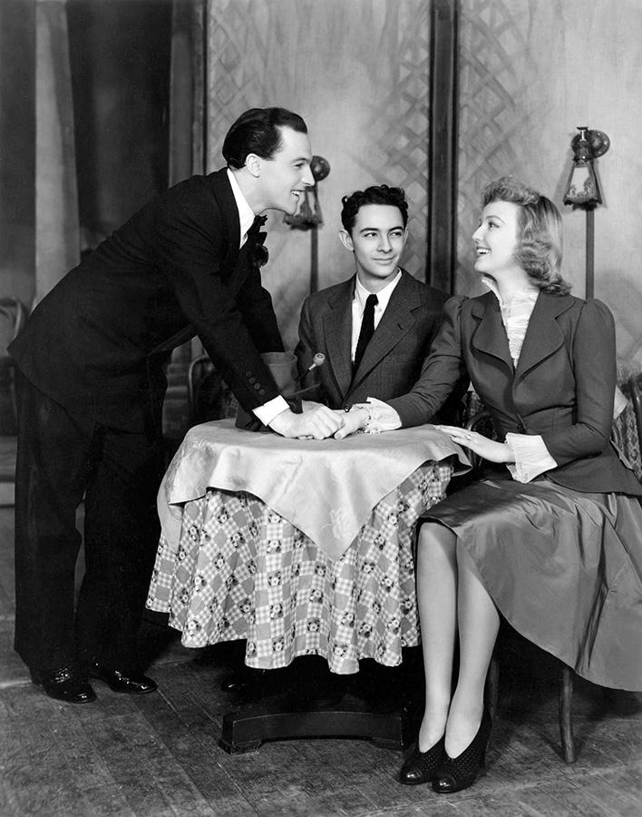 Gene Kelly, Stanley Donen et Leila Ernst dans Pal Joey sur la scène du théâtre Ethyl Barrymore de New York en 1940 - DR