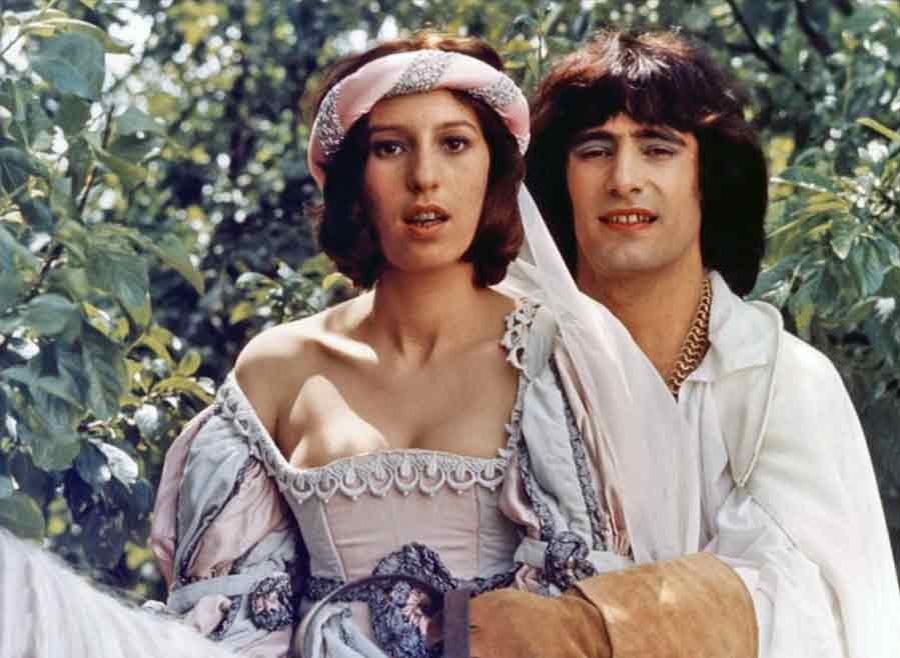 Anémone et Gérard Lanvin dans Vous n'aurez pas l'Alsace et la Lorraine (Coluche, 1976)