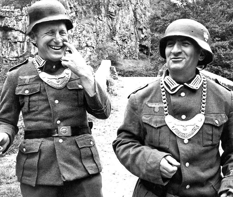 Bourvil et Louis de Funès sur le tournage de La Grande Vadrouille - DR