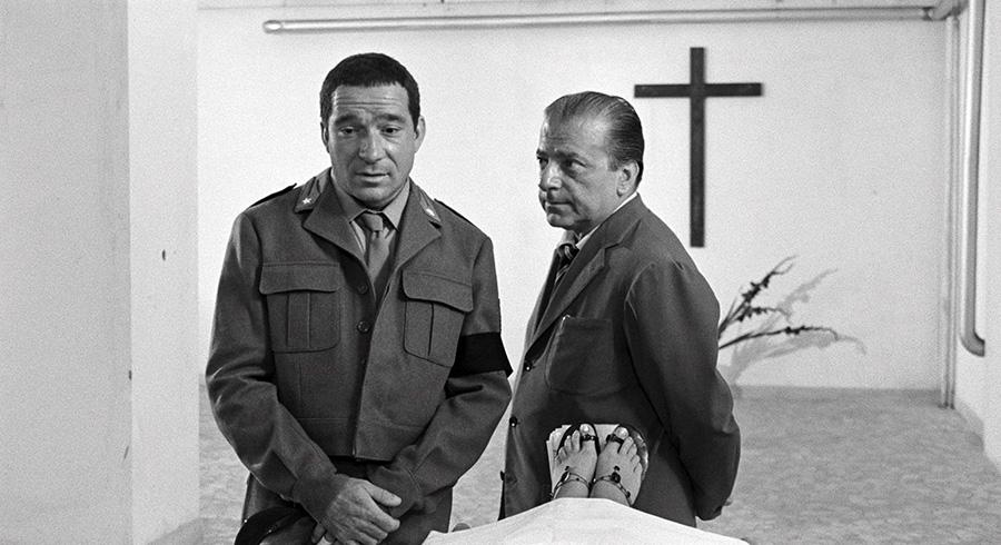 Ugo Tognazzi dans Le Pauvre soldat (Les Monstres de Dino Risi) - © Splendor Films