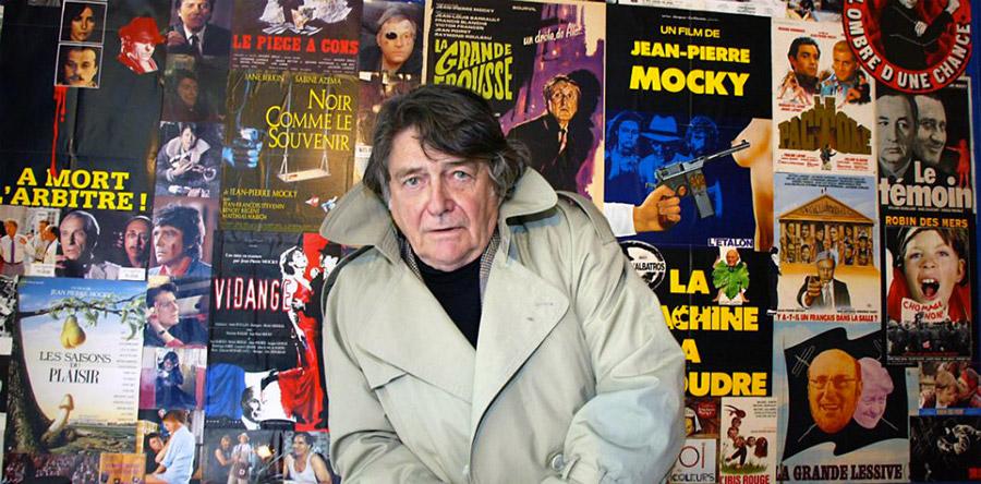 Jean-Pierre Mocky en 2002 dans son cinéma Le Brady © Jean-Pierre Muller / AFP