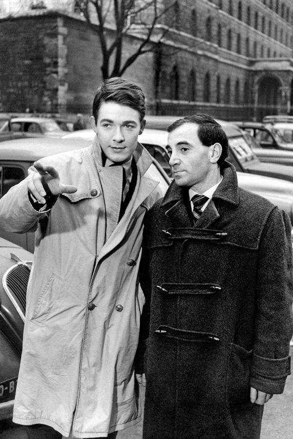 Jacques Charrier et Charles Aznavour dans Les Dragueurs (Jean-Pierre Mocky, 1959) - © Lisbon Films / Les Films Fernand / Collection Christophe L