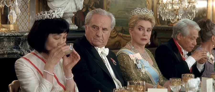 Michel_Aumont-Catherine Deneuve dans Palais royal (Valérie Lemercier, 2005) - © Gaumont