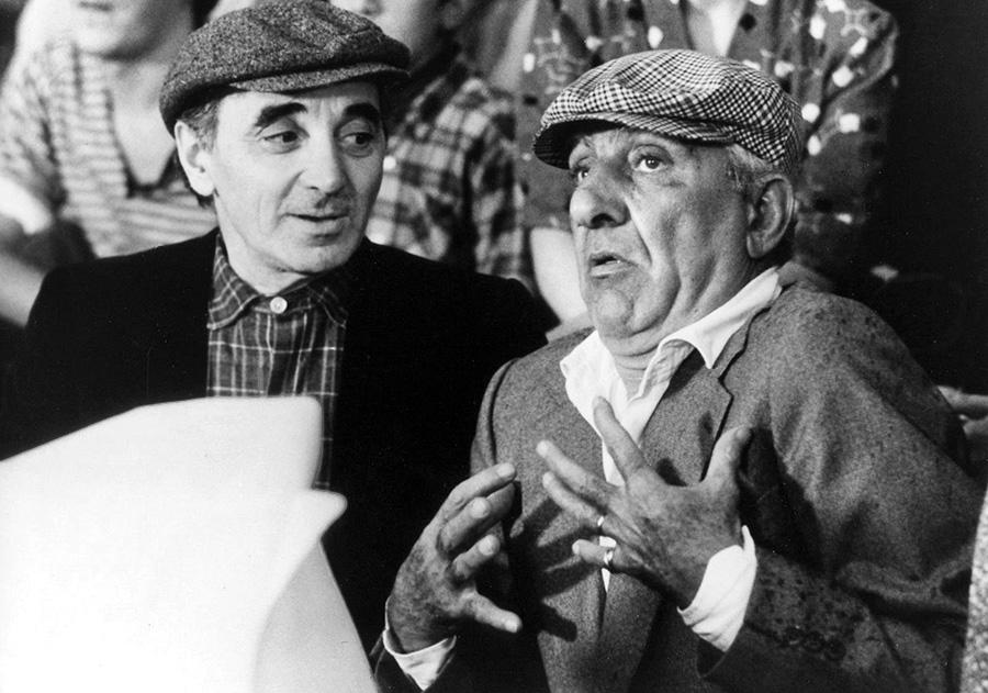 Charles Aznavour et Charles Gérard dans Qu'est-ce qui fait courir David ? (Elie Chouraqui, 1982) - © Gaumont