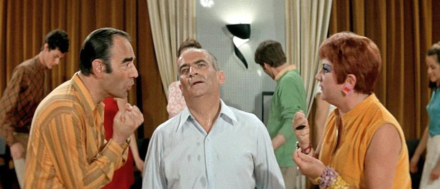 Bernard Lavalette, Louis de Funès et Dominique Davray dans Le Gendarme se marie (Jean Girault, 1968) - DR