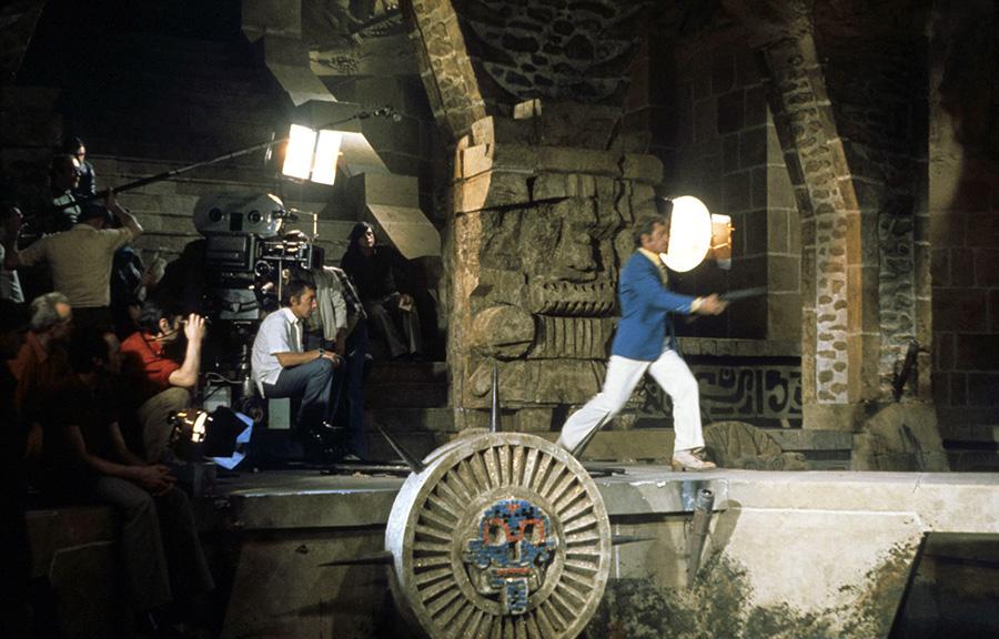 Philippe de Broca et Jean-Paul Belmondo sur le tournage du Magnifique (1973) - © Alex Productions