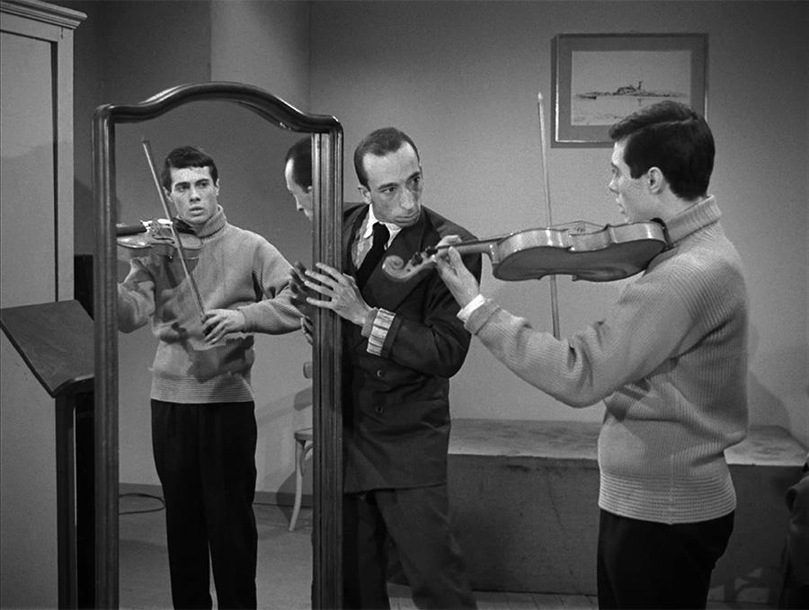 Guy Bedos et Daniel Emilfork dans Futures vedettes (Marc Allégret, 1955) - © Warner Bros France