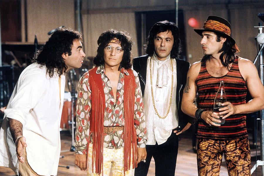 Philippe Khorsand, Christian Clavier, Jean-Pierre Bacri et Gérard Lanvin dans Mes meilleurs copains (Jean-Marie Poiré, 1989)