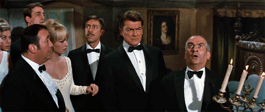 Jacques Dynam, Mylène Demongeot, Jean Marais et Louis de Funès dans Fantômas contre Scotland Yard (André Hunebelle, 1967) - © Gaumont